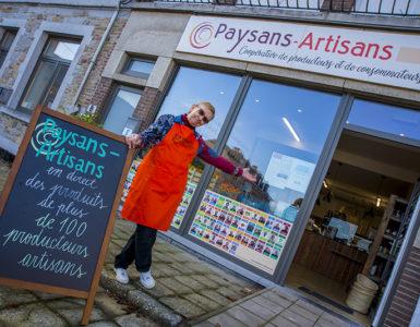 Bernadette Dhaene, gestionnaire du magasin Paysans-Artisans de Saint-Gérard.