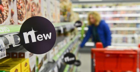 Vue de promos dans un supermarché.